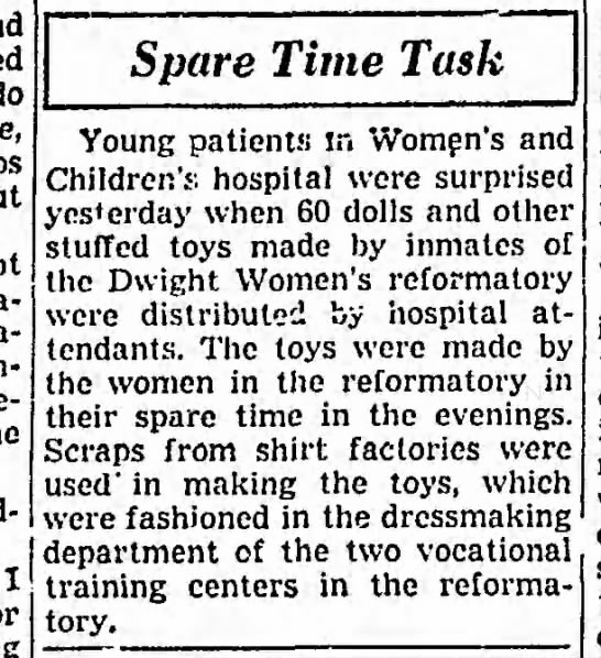 1951-07-10 Chicago 05 Dolls & Toys - do I Spare Time Task Young patients in Women's...