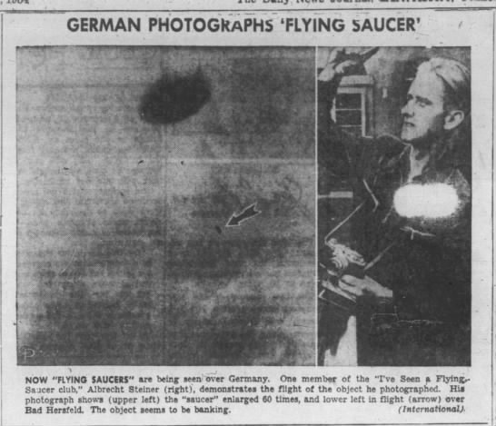 - GERMAN PHOTOGRAPHS 'FLYING 5AUCER' r - ! - t...