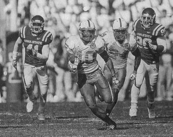 2008 Nebraska-Iowa State football, Roy Helu run