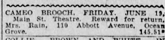 Izott Rain's ad for a lost Cameo Brooch. 1925 - CAM ROmtCHTmJVKiii Main St. Theatre. Reward for...