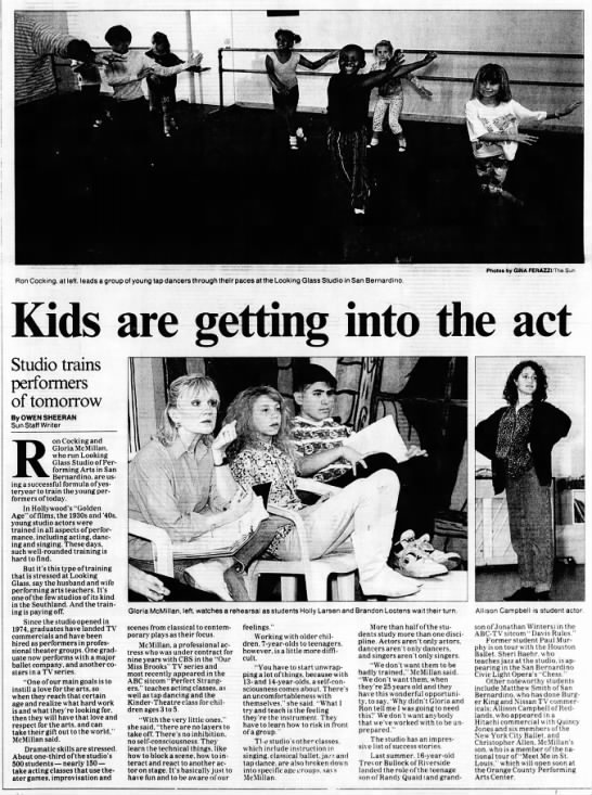 Gloria McMillan - i Ron Cocking, at left, leads a group Kids...