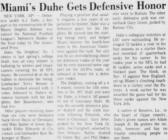 Miami's Duhe Gets Defensive Honor -