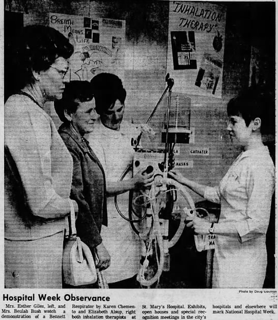 Lichtenberger sisters, Esther Giles & Beulah Bush see Respirator at hospital -